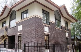 Установка пластиковых окон и дверей в коттеджах
