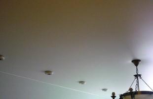 белый матовый натяжной потолок в раменское