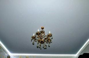 белый матовый натяжной потолок в раменское (4)