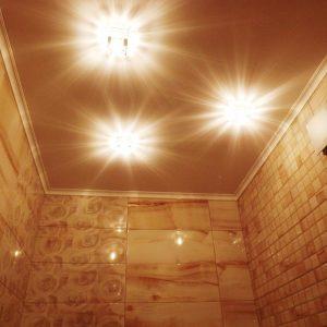 натяжные потолки в санузле в Раменском